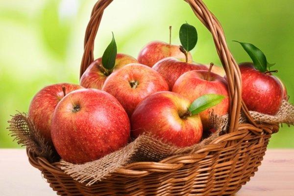 Почему при беременности хочется яблок