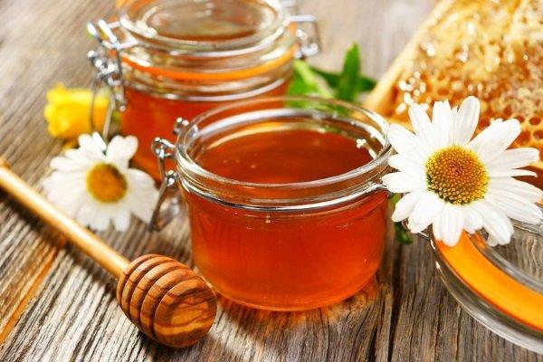 Как правильно применять мёд при беременности?