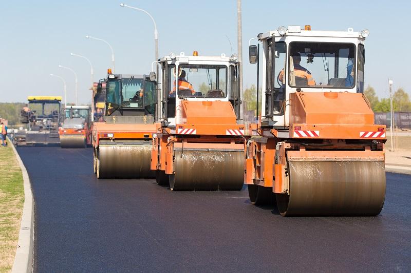 Асфальтирование дорог быстро и надежно от компании Спецстрой