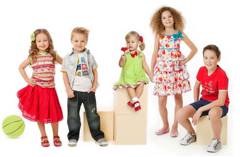Нюансы выбора детской одежды на подарок